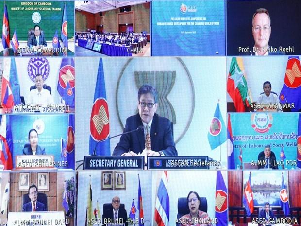 L'ASEAN souligne l'importance du developpement des ressources humaines hinh anh 3