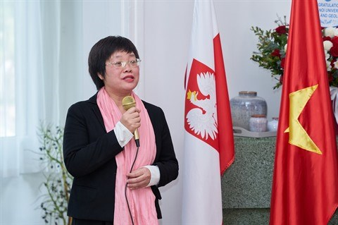 Publication du roman Bieguni d'Olga Tokarczuk en vietnamien hinh anh 2