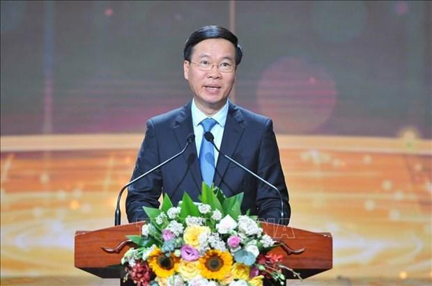 Dix jeunes personnalites exemplaires du Vietnam de 2020 a l'honneur hinh anh 2