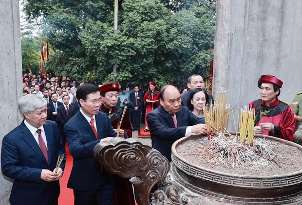 Le president Nguyen Xuan Phuc rend hommage aux rois fondateurs Hung a Viet Tri hinh anh 1