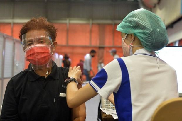 L'ASEAN s'efforce d'atteindre l'immunite collective contre le COVID-19 en 2022 hinh anh 1