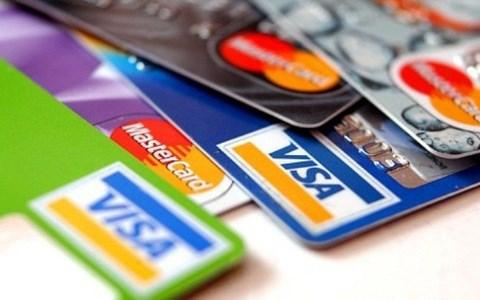 Le secteur bancaire demande une reduction des frais des organisations internationales de cartes hinh anh 1