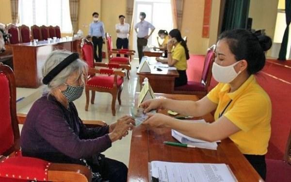 Hanoi soutient plus de 2,34 millions de personnes touchees par le COVID-19 hinh anh 1