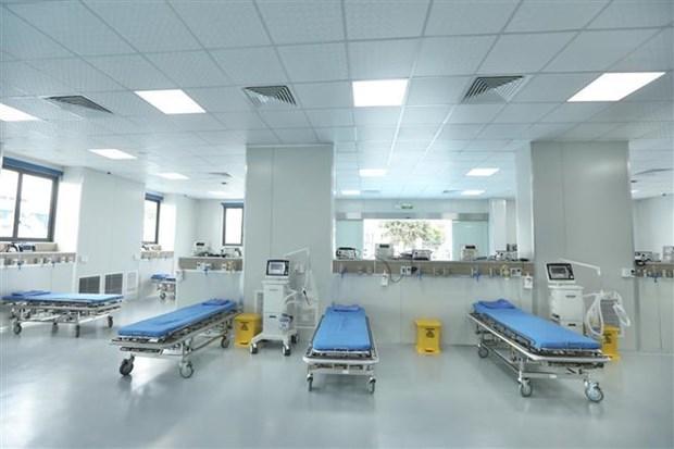 Inauguration d'un hopital de traitement des malades du COVID-19 a Hanoi hinh anh 2