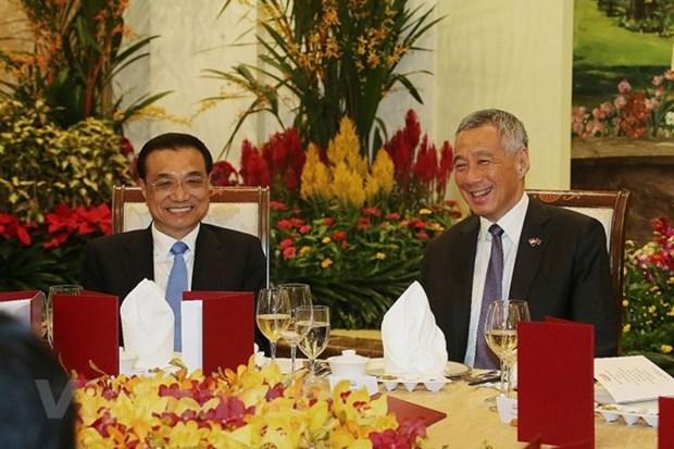 Le Premier ministre chinois s'entretient avec son homologue singapourien hinh anh 1