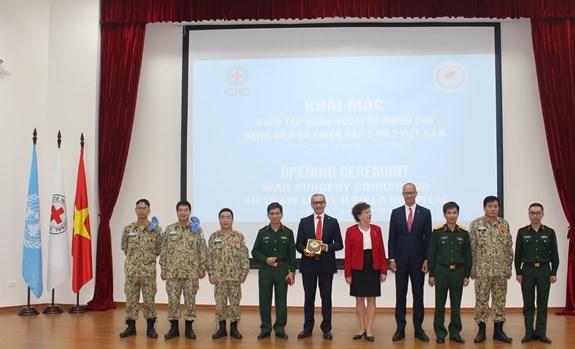 Ouverture d'un cours de formation sur les operations pour l'hopital de campagne de niveau 2 No 2 hinh anh 1