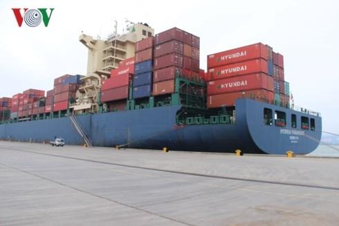 Deux premiers navires mouillent au port de Cai Lan hinh anh 1