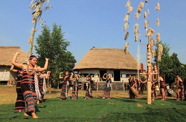 De nombreuses activites culturelles au village culturel et touristique des ethnies du Vietnam hinh anh 1