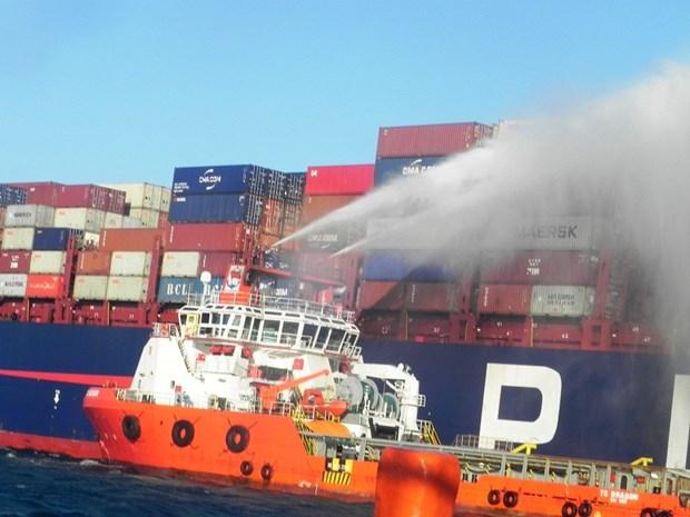 Incendie a bord d'un navire etranger au large de Ninh Thuan hinh anh 1