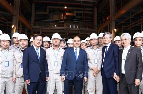 Le PM assiste aux ceremonies de lancement des projets economiques importants a Thai Binh hinh anh 1