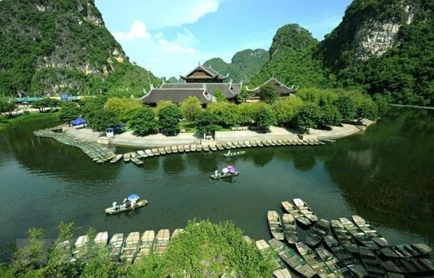 Des journalistes etrangers impressionnes de la beaute du complexe paysager de Trang An hinh anh 1