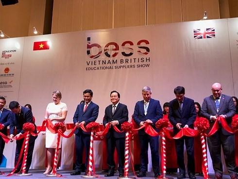 Ouverture de l'exposition internationale sur la technologie d'education BESS Vietnam 2019 hinh anh 1