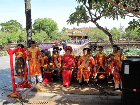 Plus de 50% des touristes venus a Hue sont des etrangers hinh anh 1