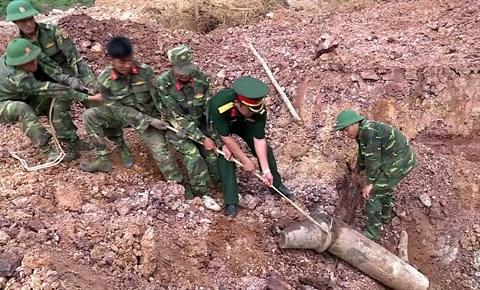 Appel a la lutte contre les bombes et les mines a Quang Tri hinh anh 1