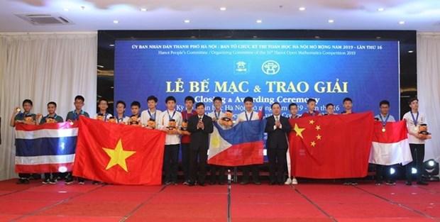 Le 6e concours de mathematiques de Hanoi elargie, un echange des eleves amoureux de mathematiques hinh anh 1