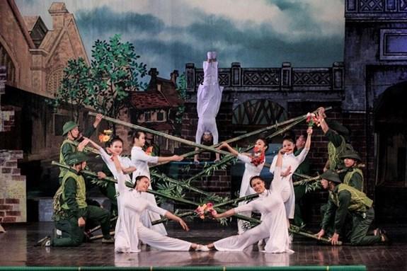 La victoire de Dien Bien Phu retracee via l'art du cirque hinh anh 1