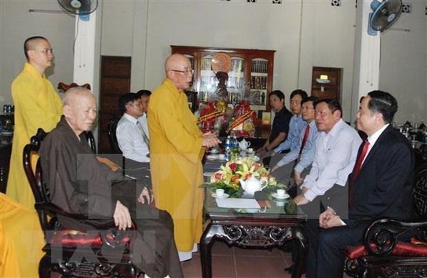 Naissance de Bouddha: Le president du CC du FPV formule les vœux aux bouddhistes de Quang Tri hinh anh 1