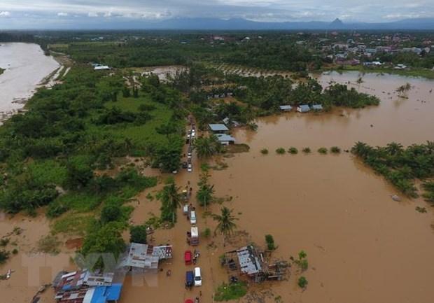 Indonesie : des milliers de personnes evacuees a la suite d'inondations hinh anh 1