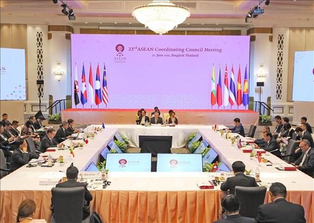 Le Vietnam present a deux conferences de l'ASEAN en Thailande hinh anh 2