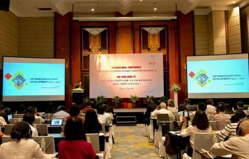 Une conference internationale sur le developpement de l'education a Hanoi hinh anh 1