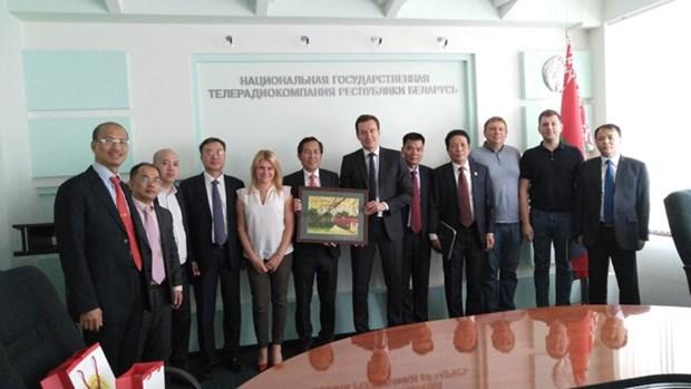 Le Vietnam promeut l'echange d'informations exterieures avec la Bielorussie et l'Estonie hinh anh 1