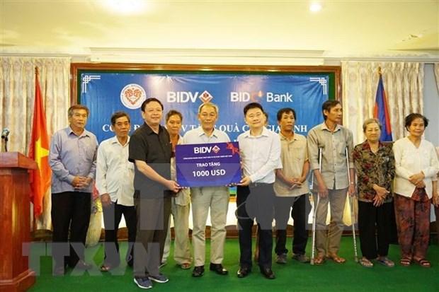 Des familles Viet kieu meritantes au Cambodge recompensees hinh anh 1