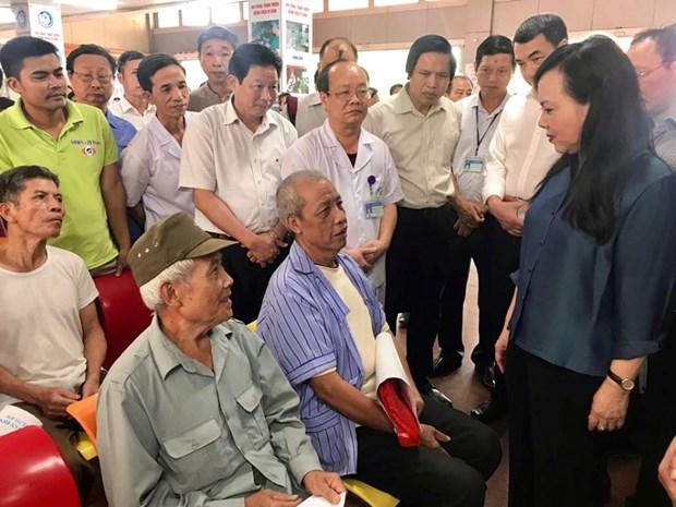 La ministre de la Sante en visite de travail a Ninh Binh hinh anh 1