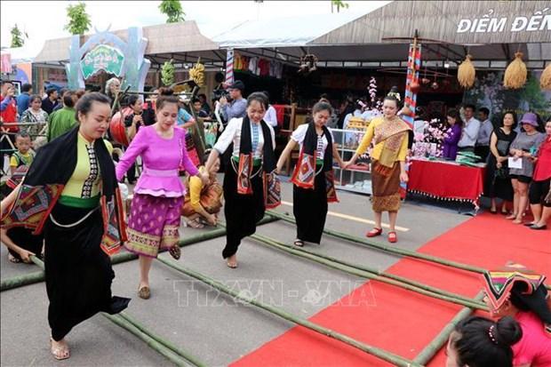 L'ouverture de la fete culturelle des ethnies de la region du Nord-Ouest a Son La hinh anh 1