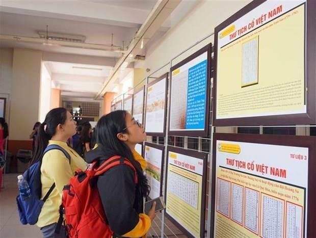 Une exposition des documents sur Hoang Sa et Truong Sa s'ouvre a Ho Chi Minh-Ville hinh anh 1