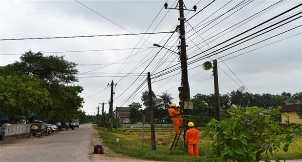 Electrification des zones rurales: plus de 120.000 milliards de dongs investis hinh anh 1