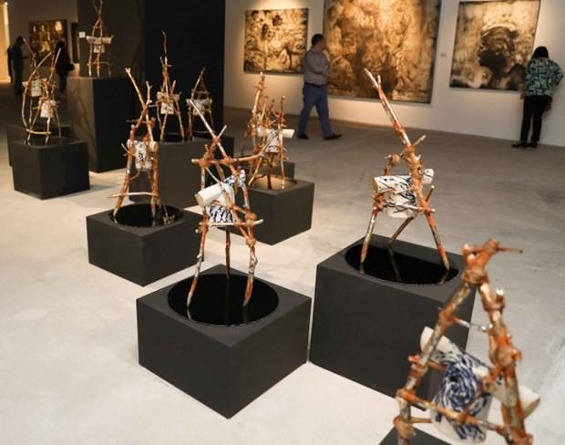 L'ouverture d'une exposition des œuvres de beaux-arts d'artistes asiatiques a Hanoi hinh anh 1