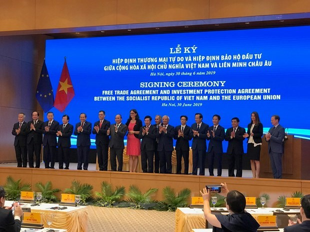 La signature de l'EVFTA-EVIPA dynamisera les liens economiques Vietnam-UE hinh anh 2