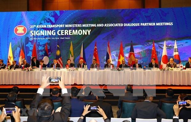 La 25e conference des ministres des Transports de l'ASEAN couronnee de succes hinh anh 1