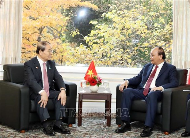Le PM Nguyen Xuan Phuc rencontre le president de l'Association d'amitie Republique de Coree–Vietnam hinh anh 1