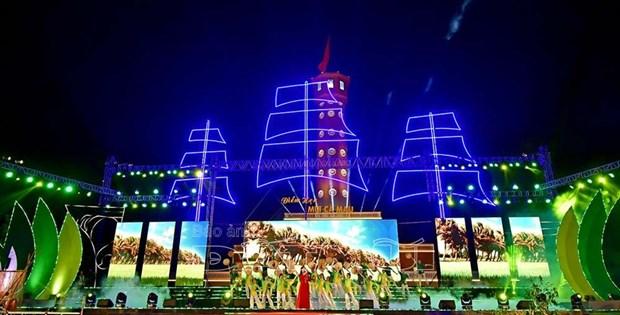 Le PM Nguyen Xuan Phuc inaugure la Semaine culturelle et touristique de Ca Mau 2019 hinh anh 1