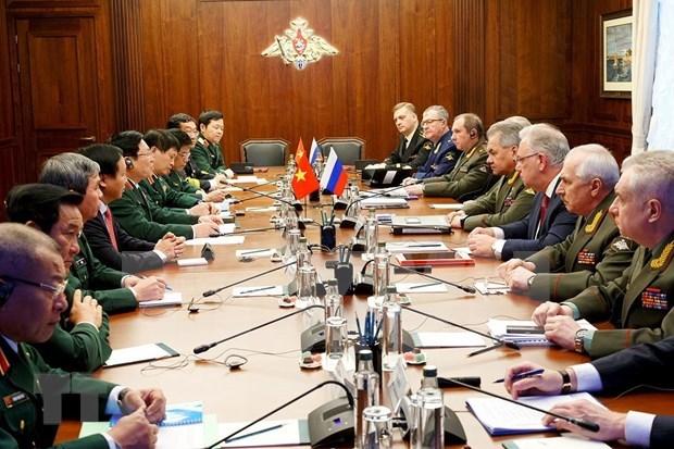 Vietnam-Russie : renforcement de la cooperation bilaterale dans la defense hinh anh 1