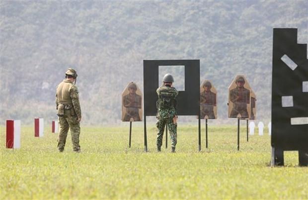 Vietnam-Australie : un cours de formation sur les techniques de tir au fusil militaire hinh anh 1