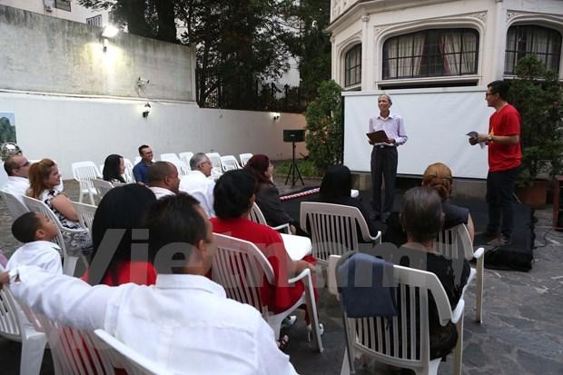 Echange d'amitie entre l'ambassade du Vietnam et celle de Cuba en Argentine hinh anh 1