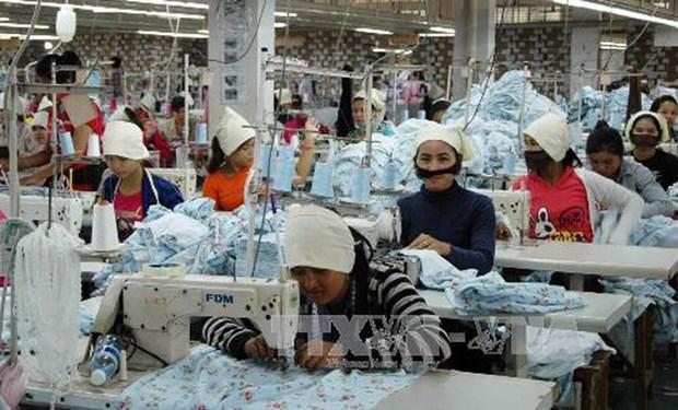 COVID-19 : l'exportation des vetements et des chaussures du Cambodge en baisse hinh anh 1