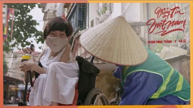 COVID-19 : publication d'un clip musical vietnamien sur les plateformes internationales hinh anh 1