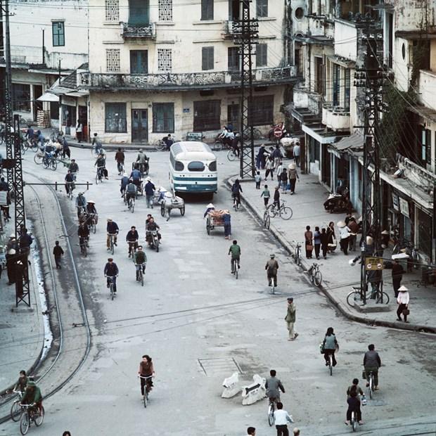 Une exposition photographique speciale sur Hanoi durant les annees 1967-1975 hinh anh 2