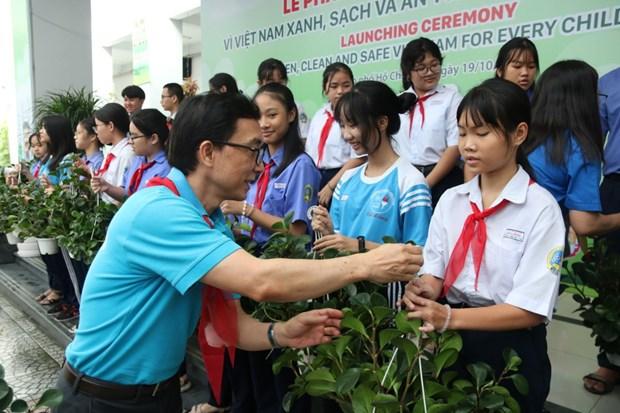 Kyrielle d'activites « Pour un Vietnam vert, propre et securitaire aux enfants » hinh anh 1