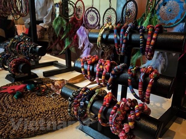 Le 2e festival de la culture du « tho cam » - quintessence orientale a Dak Nong hinh anh 2