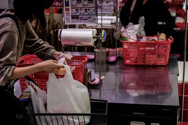 Vers la creation d'une alliance de supermarches pour minimiser la consommation de sacs en plastique hinh anh 2
