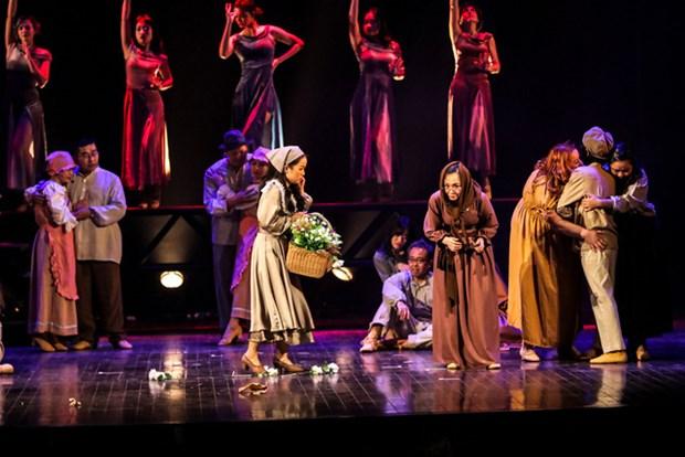 La comedie «Les Miserables» sera jouee de nouveau sur la scene de l'Opera de Hanoi hinh anh 1