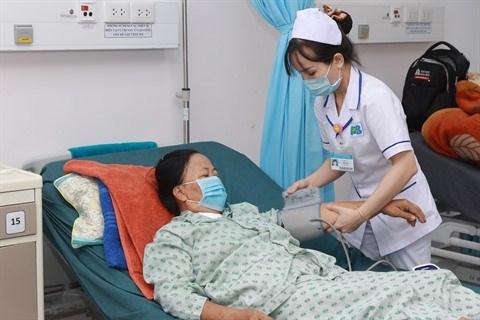 Augmentation du nombre d'examens medicaux en lien avec l'assurance maladie hinh anh 1