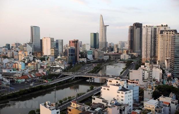 Des journalistes etrangers apprecient des potentiels de developpement du Vietnam hinh anh 1