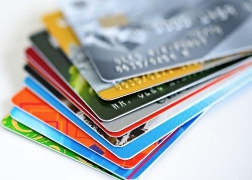 Les banques doivent emettre des cartes bancaires a puce a partir du 31 mars hinh anh 1