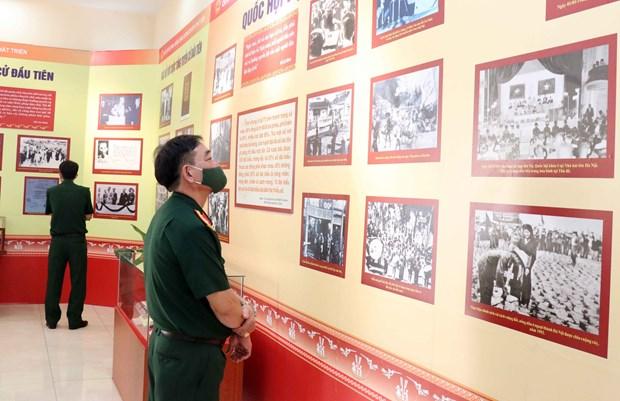 Ouverture d'une exposition sur l'Assemblee nationale vietnamienne hinh anh 1