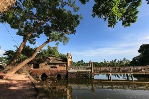 Le pont de Khum : vestige d'un passe lointain hinh anh 1